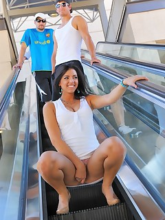 Escalator Upskirt Pics