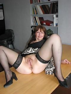 Mom Upskirt Pics